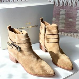 Marc Fisher Yandi Tan Concho Ankle Booties Size 7